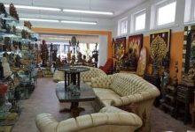 Bild von Asiatische Figuren, Futons und Kunstobjekte in Lochau