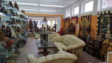 Möbel und Kunstgalerie