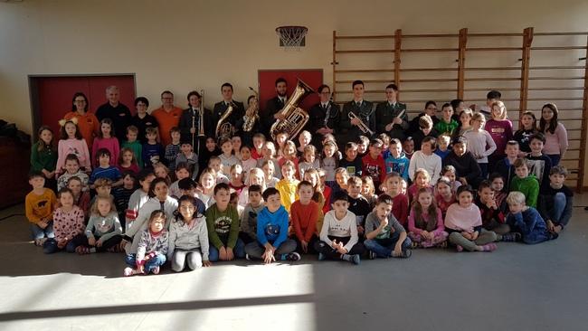 Musikverein Lochau zu Gast in der Volksschule