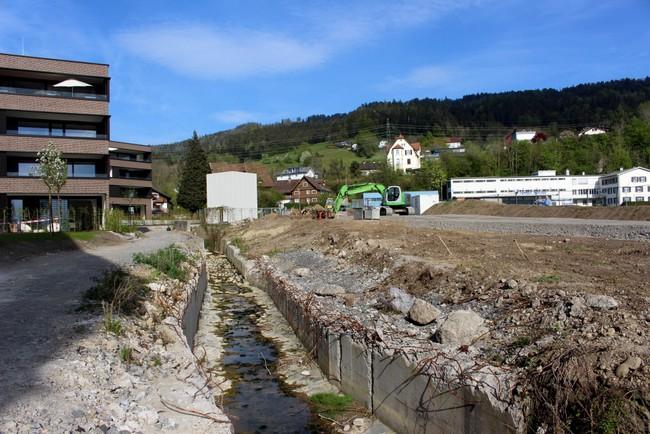 Arbeiten beim Hochwasserschutzprojekt Kugelbeerbach