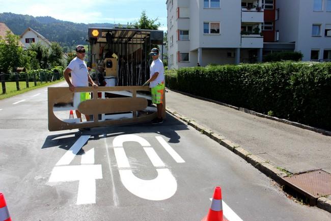 Erneuerung der Straßenmarkierungen