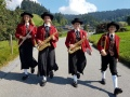 MV-Lochau-mit-flotter-Blasmusik-unterwegs-1